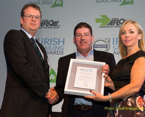 Dublin, Co. Dublin, 9 February 2018: Harry Hermon, CEO Irish Sailing (right) with Patricia Greene, Head of Communications Volvo Car Ireland presents Galway City Sailing Club with a nomination for the Volvo Training Centre of the Year award at the Volvo Irish Sailing Awards. Photograph: David Branigan/Oceansport
